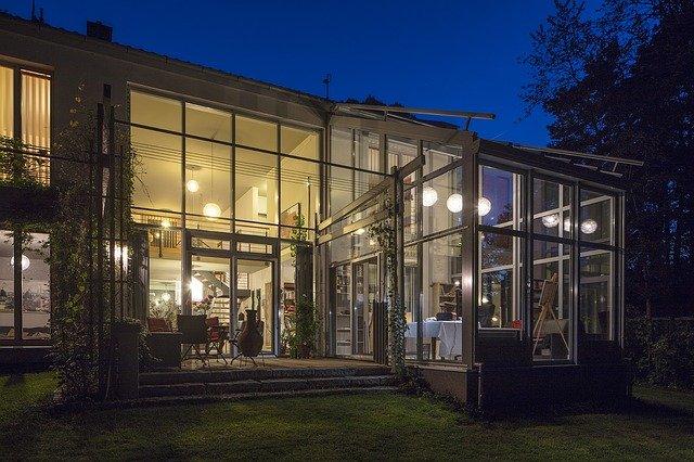 skleněný dům.jpg