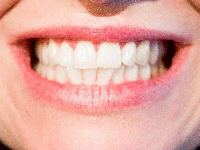 širový úsměv