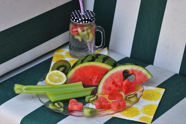 talíž s ovocem